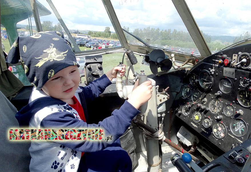 Samolot za sterami pilot